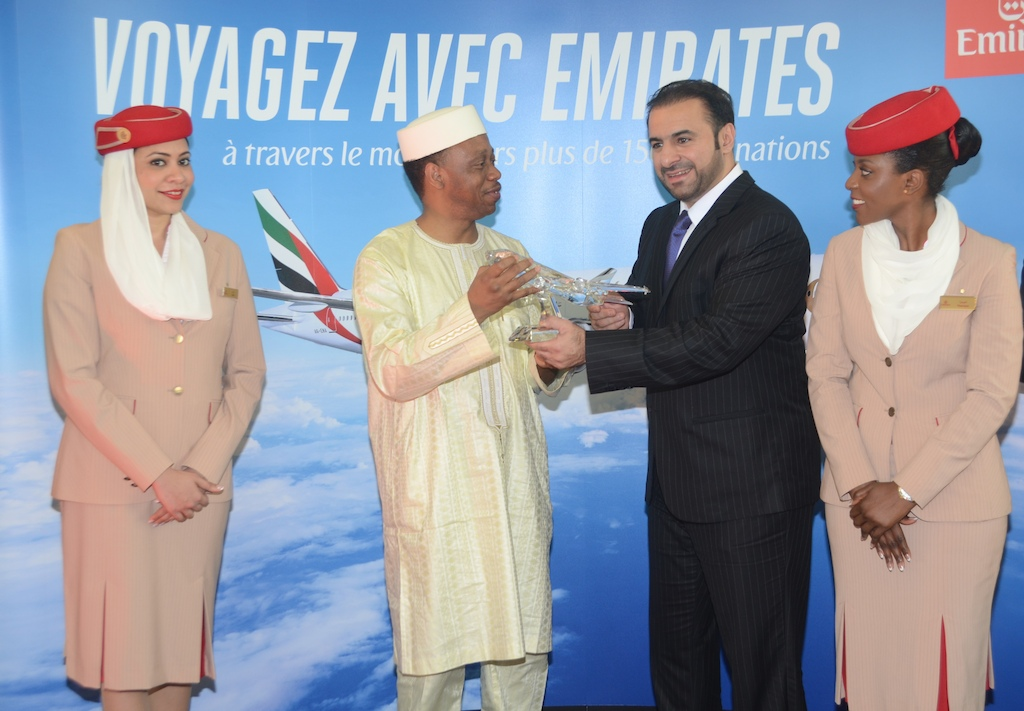 Gift presentation to His Excellency Mamady Youla, Prime Minister of Guinea by Orhan Abbas, Emirates' Senior Vice President Commercial Operations for Africa, commemorating the re-introduced four times weekly service to Conakry on 30th October 2016